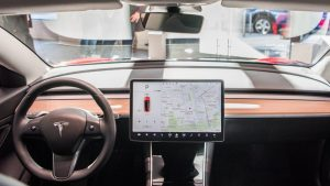 Tesla cameras will monitor driver awareness