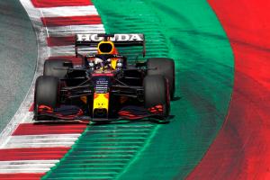 Formula 1: Verstappen takes pole in Austria as Hamilton struggles for pace